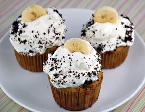 banana-cream-cupcakes-DSC_5478