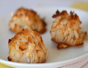paleo-coconut-macaroons-dessert-recipe-5614